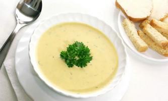 Картопляний суп з плавленим сиром