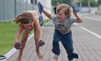 Відпустка по догляду за дитиною до 1,5 років. Кому виплачується допомога?