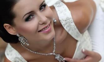 Весільна сукня: якого кольору вибрати?